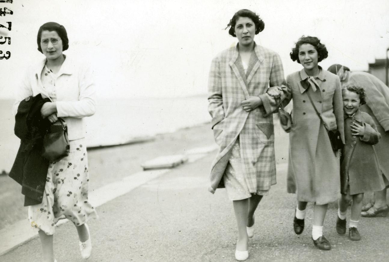 Birdie, 1938